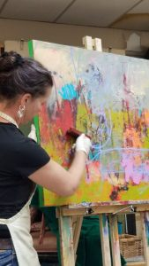 Laura Culic demonstrates her technique at the Don Valley Art Club in 2017